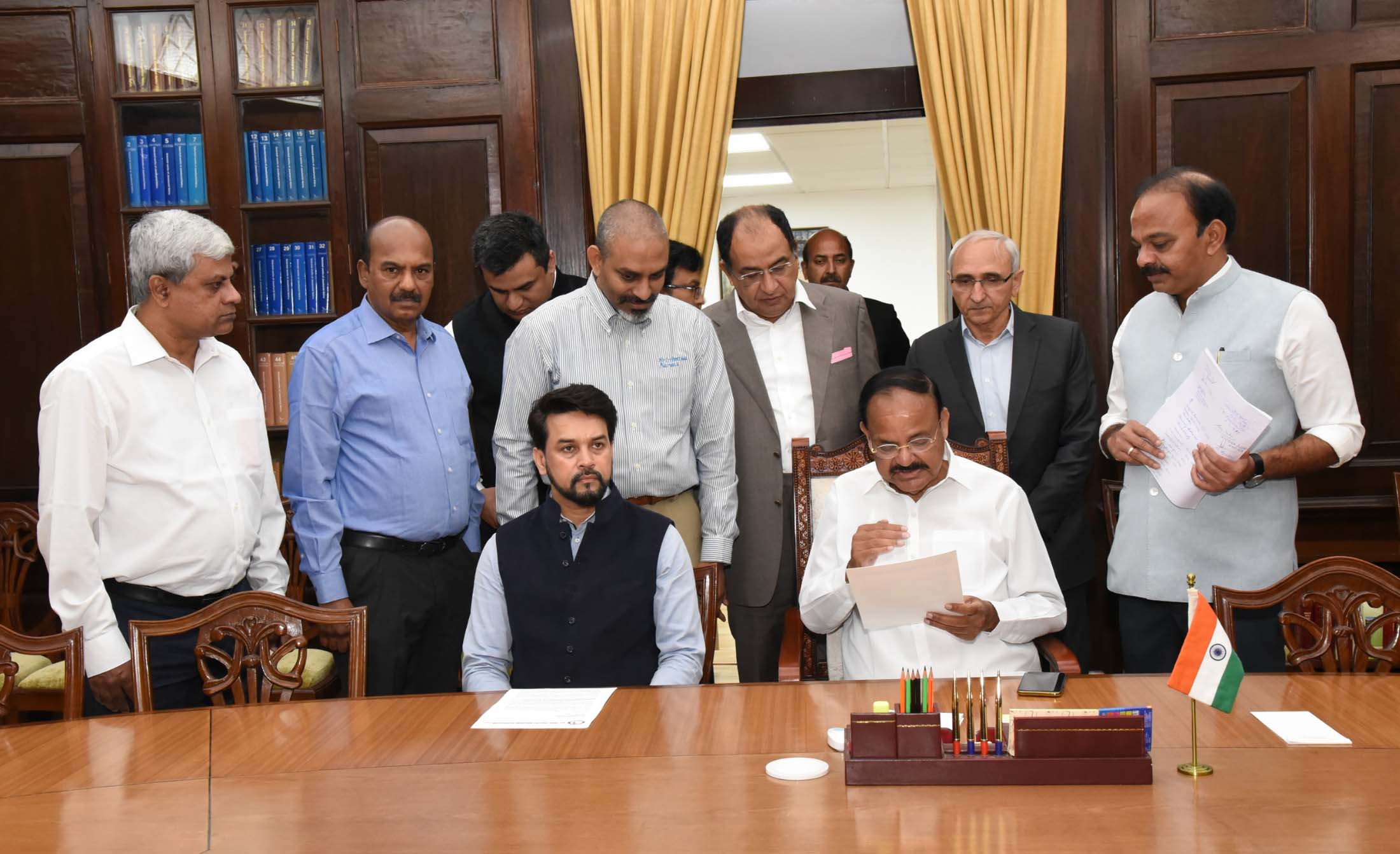 A Delegation of the All India Poultry Breeders Association calling on the Vice President, Shri M. Venkaiah Naidu in New Delhi on March 13, 2020.