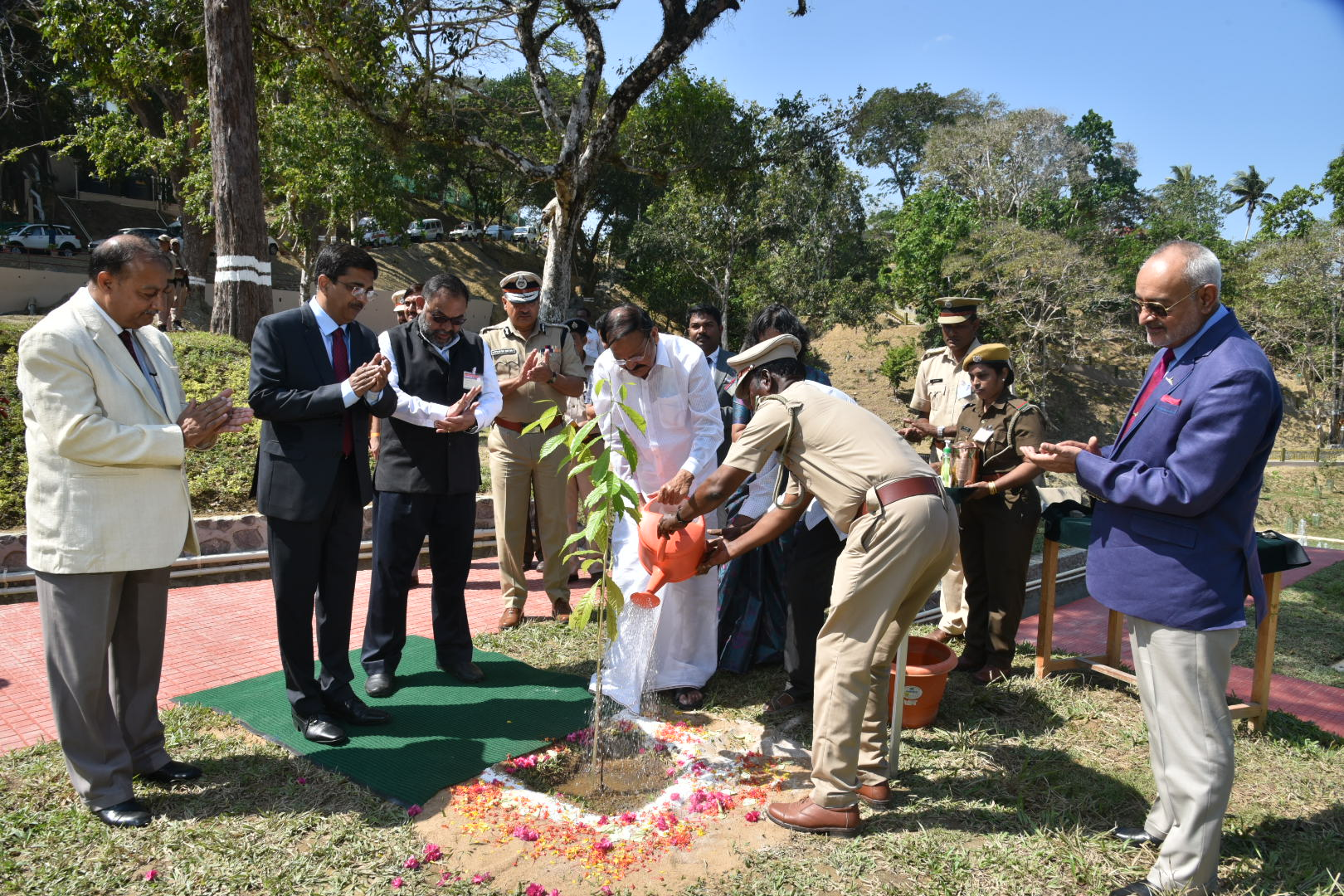 The Vice President, Shri M. Venkaiah Naidu planting a sapling at the Nature Park and Interpretation Centre in Haddo, Port Blair, Andaman and Nicobar on January 17, 2020.