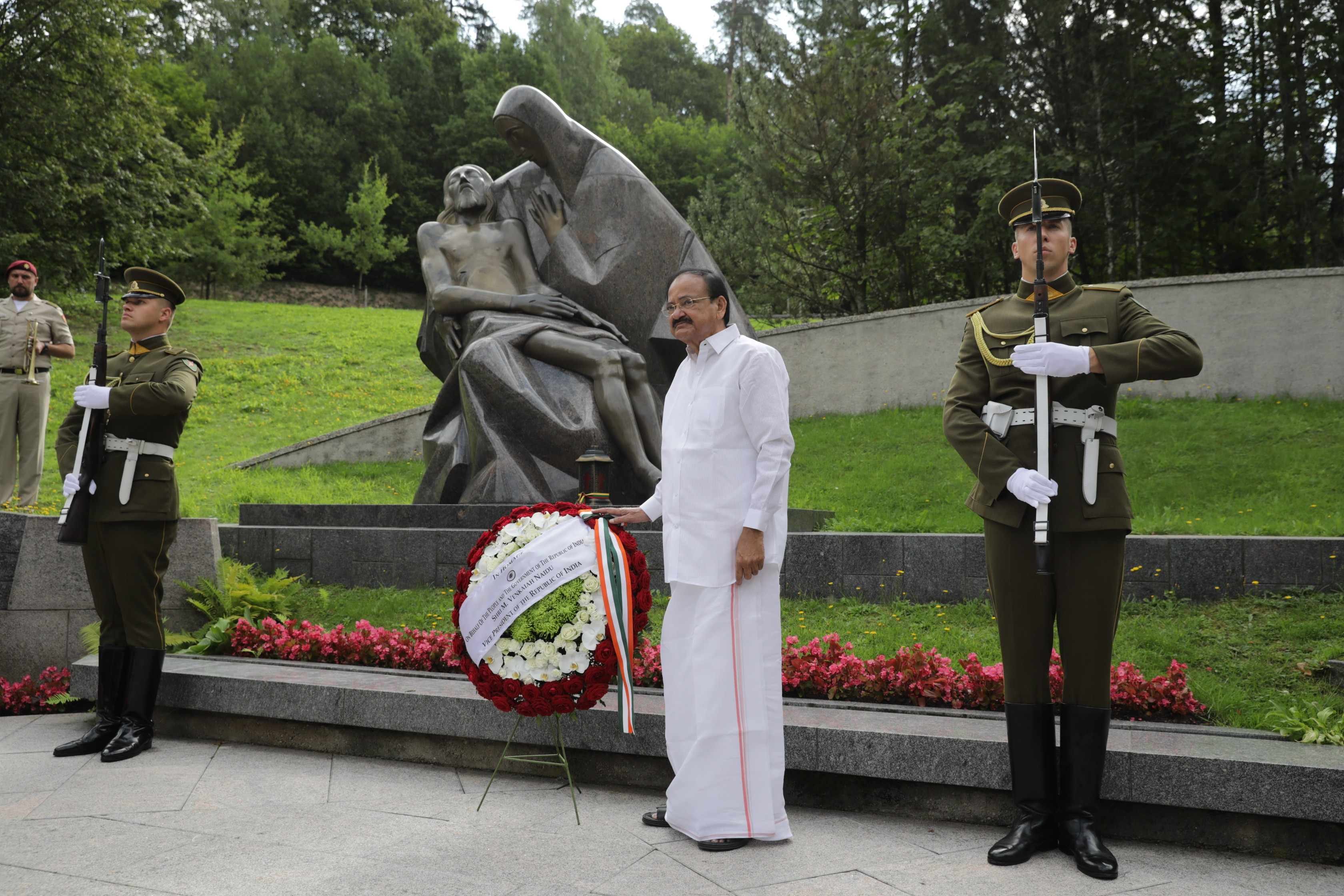 The Vice President, Shri M. Venkaiah Naidu paying homage to the fallen heroes of the Lithuanian Struggle for independence at the cemetery in Vilnius, Lithuania on August 19, 2019.