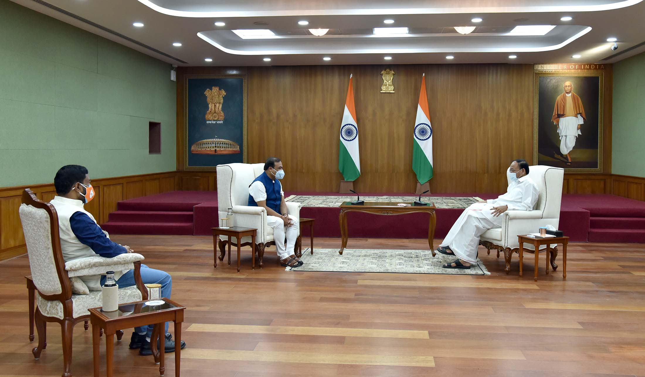 The Vice President, Shri M. Venkaiah Naidu, in an interaction with Shri Himanta Biswa Sarma, Chief Minister of Assam, and Shri Rameswar Teli, Minister of State for Food Processing Industries during their call-on at Upa-Rashtrapati Nivas on June 1, 2021.