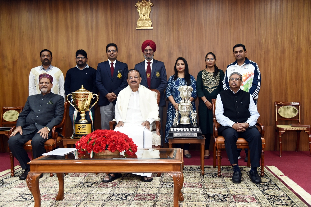 The Vice President, Shri M. Venkaiah Naidu in a group photographs with the faculty members of Punjab University during an interaction with the sportspersons of the University at Upa-Rashtrapati Bhawan, New Delhi on 12 March, 2020.