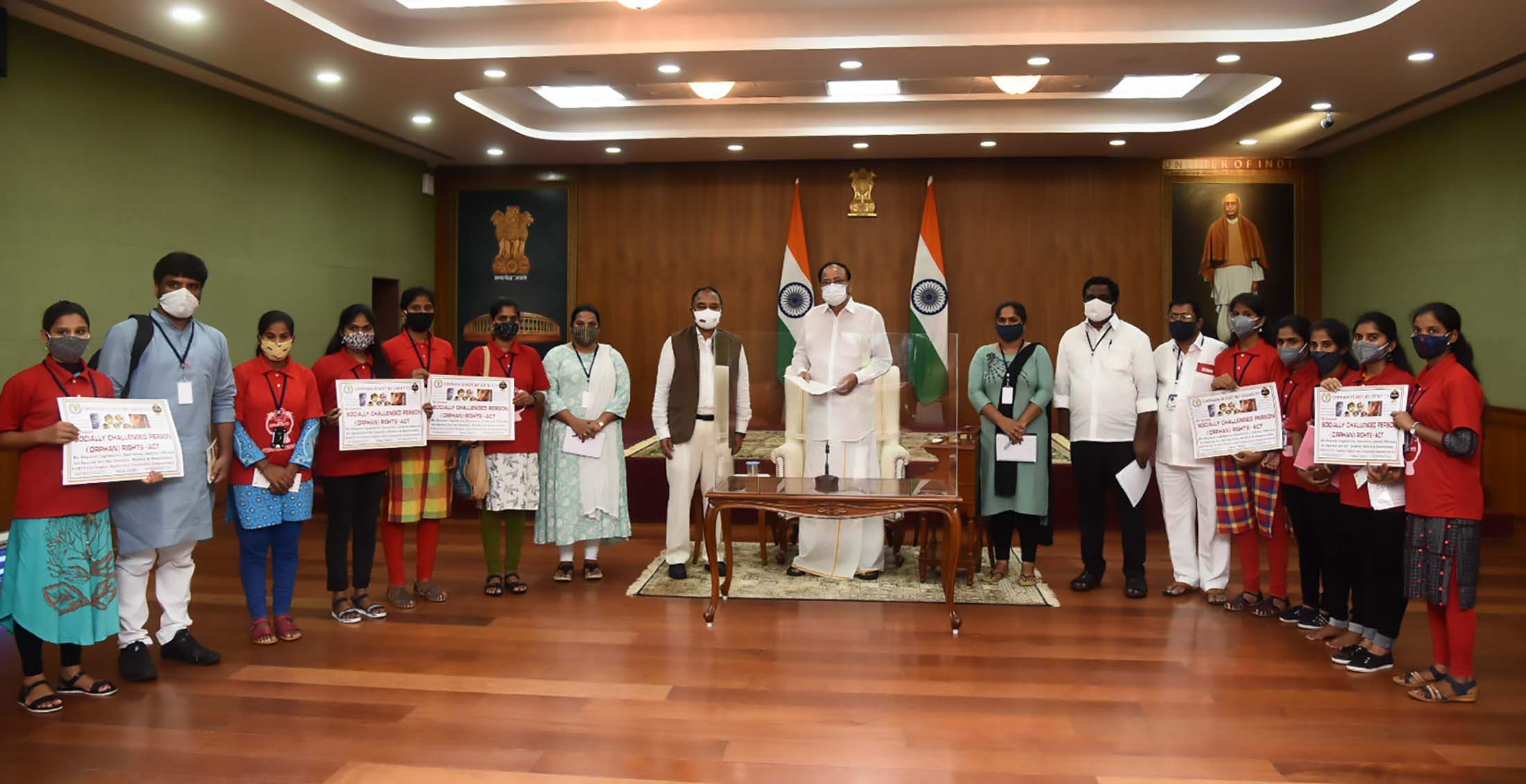 Rajya Sabha MP, Dr. Banda Prakash along with a group of children from 'Force for Orphan Rights and Community Empowerment (FORCE)' called on the Vice President, Shri M. Venkaiah Naidu at Upa-Rashtrapati Nivas on August 2, 2021.