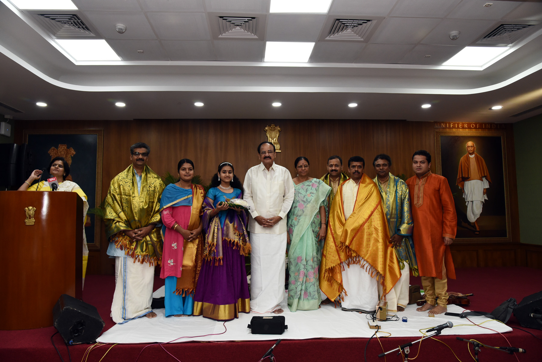 The Vice President, Shri M. Venkaiah Naidu and Smt. Usha Naidu with Vocalist, Ms. Sooryagayathri and the accompanying artistes after the Classical Bhajan Concert, in New Delhi on September 09, 2019.