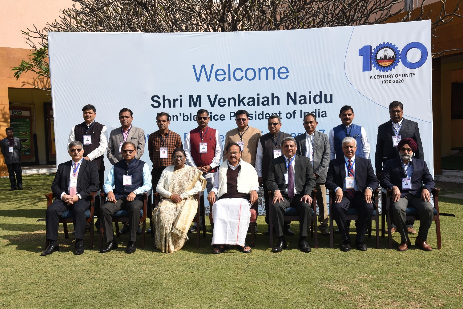 The Vice President, Shri M. Venkaiah Naidu with the office bearers of the Tate Steel Workers' Union at Center for Excellence, in Jamshedpur, on 17 February 2020.