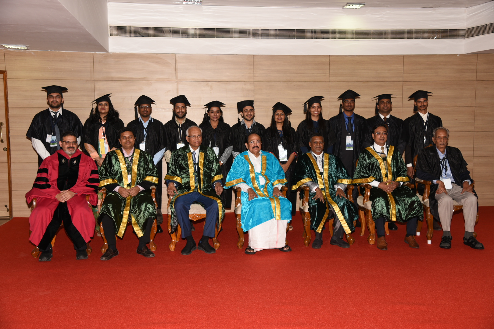 The Vice President, Shri M. Venkaiah Naidu with the Faculty Members at the Convocation of the Great Lakes Institute of Management, in Chennai on May 21, 2019.