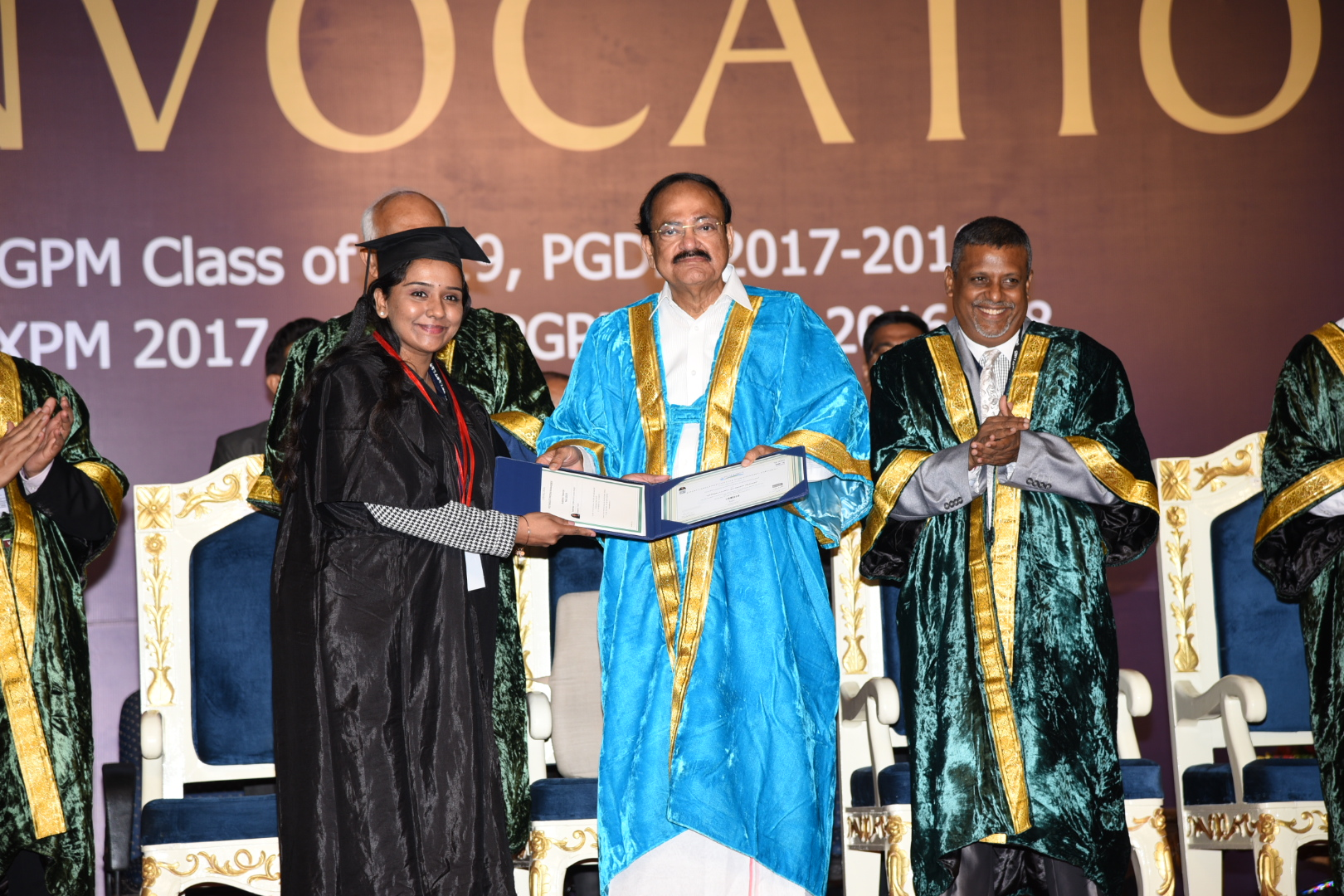 The Vice President, Shri M. Venkaiah Naidu presenting Gold Medals to the Students at the Convocation of the Great Lakes Institute of Management, in Chennai on May 21, 2019.