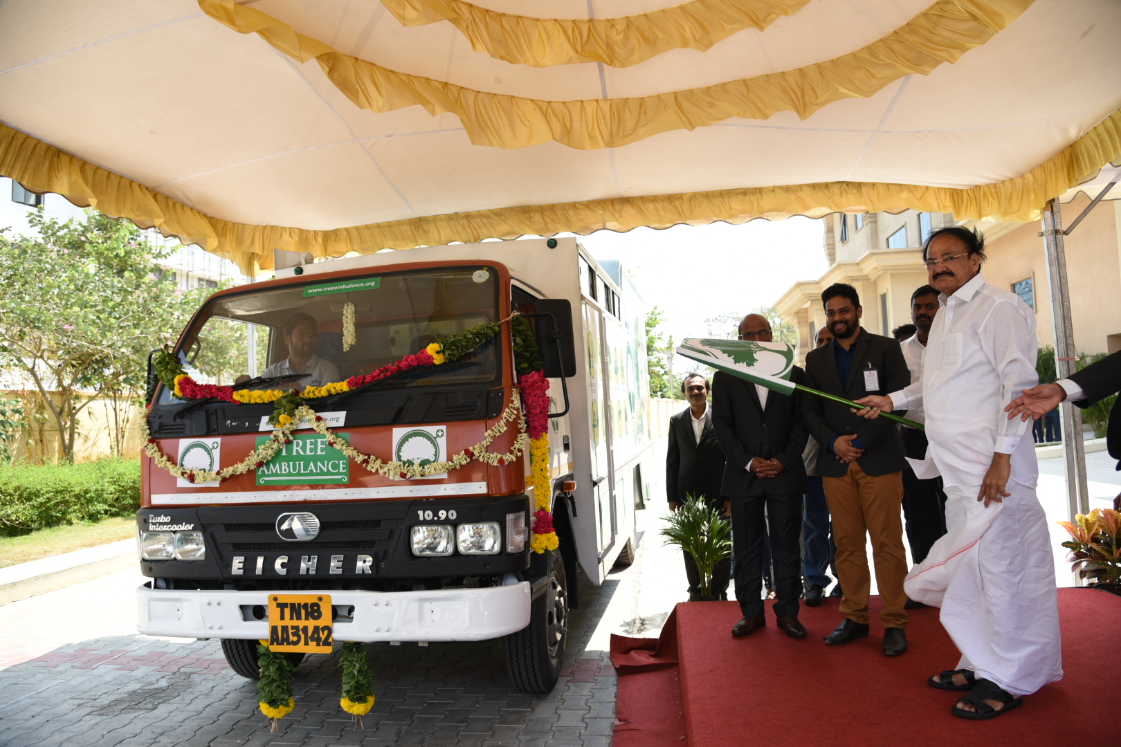 The Vice President, Shri M. Venkaiah Naidu flagging off the 'Tree Ambulance', an initiative to protect trees, on the occasion of International Day for Biological Diversity 2019, in Chennai on May 22, 2019.