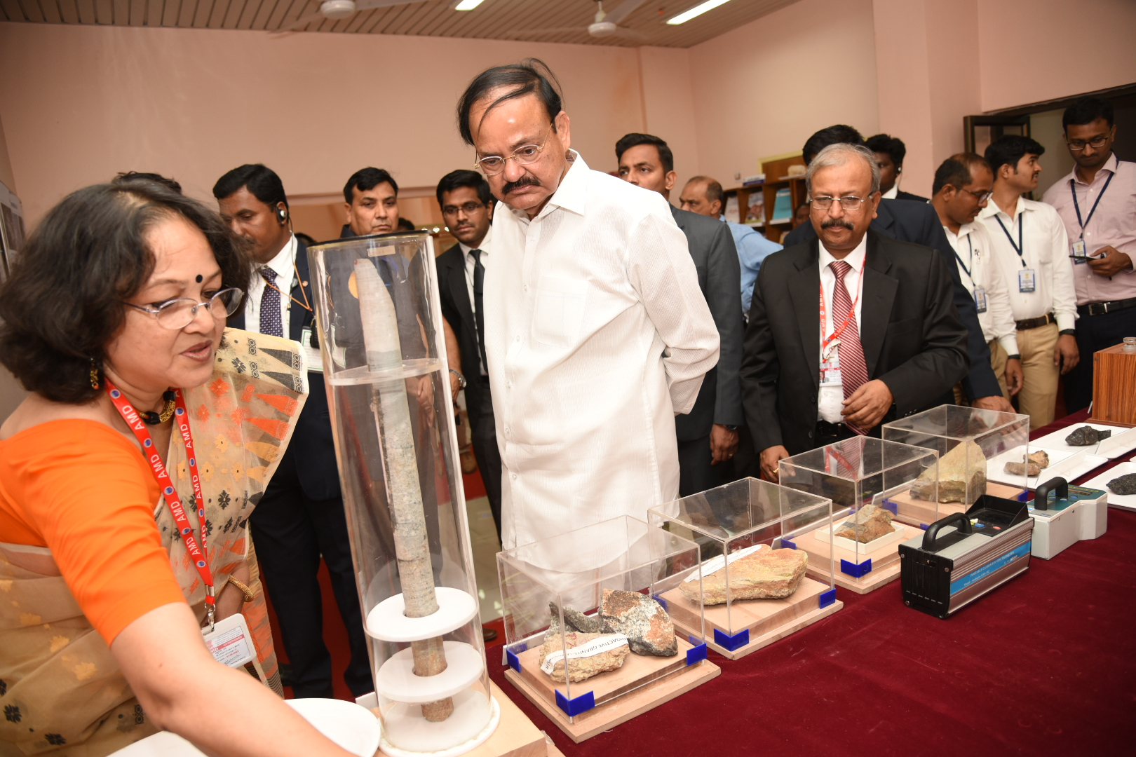 The Vice President, Shri M. Venkaiah Naidu going around the Exhibition on Atomic Minerals, at the Atomic Minerals Directorate for Exploration and Research, in Hyderabad on May 16, 2019.