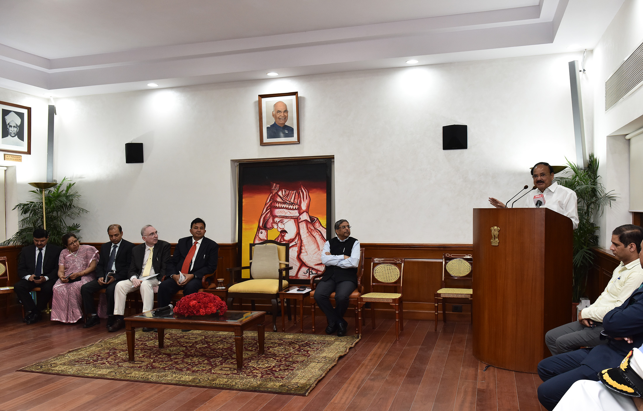 The Vice President, Shri M. Venkaiah Naidu addressing the 44th batch of Advance Professional Programme in Public Administration, sponsored by the Indian Institute of Public Administration, in New Delhi on April 15, 2019.
