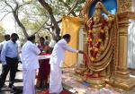 The Vice President of India, Shri M. Venkaiah Naidu paying tributes to Lord Venkateshwara at the Government College of Architecture and Sculpture in Mamallapuram, Tamil Nadu on 28 February, 2020.