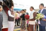 The Vice President of India, Shri M Venkaiah Naidu being received by the Chief Minister of Rajasthan, Smt. Vasundhara Raje on his arrival in Jaipur on January, 06 2018.