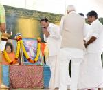 The Vice President, Shri M. Venkaiah Naidu paying tribute to Sri Satya Sai Baba during the Silver Jubilee celebrations of Sri Satya Sai Orphanage Trust-Kerala, in Thiruvananthapuram on December, 30, 2019.