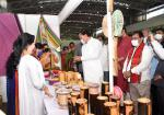 The Vice President, Shri M. Venkaiah Naidu inaugurating the Exhibition of Handloom and Handicraft Products of North East Region in Agartala on October 6, 2021.