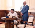 The Vice President, Shri. M. Venkaiah Naidu signing the visitor's book at the Kaunas Town Hall in Kaunas, Lithuania on August 18, 2019.
