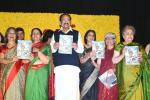 The Vice President, Shri M. Venkaiah Naidu releaseing the Souvenir at the Silver Jubilee Celebrations of Indian Women Press Corps (IWPC), in New Delhi on 28 November, 2019.