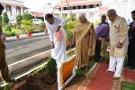 The Vice President, Shri M. Venkaiah Naidu planting a sapling in the premises of Rajbhavan, in Panaji, Goa on September 28, 2018. The Governor of Goa, Smt. Mridula Sinha and the former Union Minister, Shri Ramkriplani Sinha are also seen.