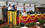 The Vice President, Shri M. Venkaiah Naidu addressing the Members from Advocates Associations of Andhra Pradesh & Telangana, in Hyderabad on November 20, 2017. The Acting Chief Justice of Andhra Pradesh & Telangana, Justice Ramesh Ranganathan, Deputy Chief Minister of Telangana, Shri Mohammad Mahmood Ali and other dignitaries are also seen.