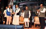 The Vice President, Shri M. Venkaiah Naidu presenting Pratidin Achievers Awards 2017, instituted by Sadin Pratidin Group, in Guwahati, Assam on December 03, 2017. The Governor of Assam, Shri Jagdish Mukhi, the Chief Minister of Assam, Shri Sarbananda Sonowal and other dignitaries are also seen.