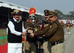 The Vice President, Shri M. Venkaiah Naidu giving away gallantry awards, on the occasion of 52nd Raising Day Ceremony, in New Delhi on December 01, 2017. The Director General, BSF, Shri K.K. Sharma is also seen.