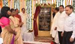 The Vice President, Shri M. Venkaiah Naidu laying foundation stone for the Ranchi Smart City, in Ranchi, Jharkhand on September 09, 2017. The Governor of Jharkhand, Smt. Droupadi Murmu, the Chief Minister of Jharkhand, Shri Raghubar Das, the Minister for Urban Development and Housing Department, Government of Jharkhand, Shri C.P. Singh and other dignitaries are also seen.