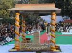 The Vice President, Shri M. Venkaiah Naidu paying homage at the Gandhi Smriti, on the occasion of the Martyr's Day, in New Delhi on January 30, 2018. The Minister of State for Culture and Tourism (Independent Charge), Dr. Mahesh Sharma is also seen.