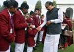 The Vice President, Shri M. Venkaiah Naidu meeting the Children who have been conferred the 'National Bravery Awards 2017', in New Delhi on January 25, 2018 .