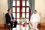 The Vice President, Shri M. Venkaiah Naidu calling on the President of Panama, Mr. Juan Carlos Varela Rodriguez, at the Presidential Palace in Panama City on May 09, 2018.