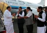The Vice President, Shri M. Venkaiah Naidu being received by the Chief Minister of Maharashtra, Shri Devendra Fadnavis, on his arrival, in Nagpur, Maharashtra on November 10, 2017. The Union Minister for Road Transport & Highways, Shipping and Water Resources, River Development & Ganga Rejuvenation, Shri Nitin Gadkari is also seen.