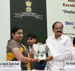 The Vice President, Shri M. Venkaiah Naidu releasing a souvenir at the Valedictory of Golden Jubilee celebrations of the Press Council of India, on the occasion of the National Press Day, in New Delhi on November 16, 2017. The Union Minister for Textiles and Information & Broadcasting, Smt. Smriti Irani is also seen.